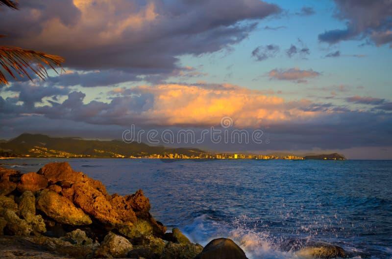Vue de coucher du soleil de Honolulu photo stock