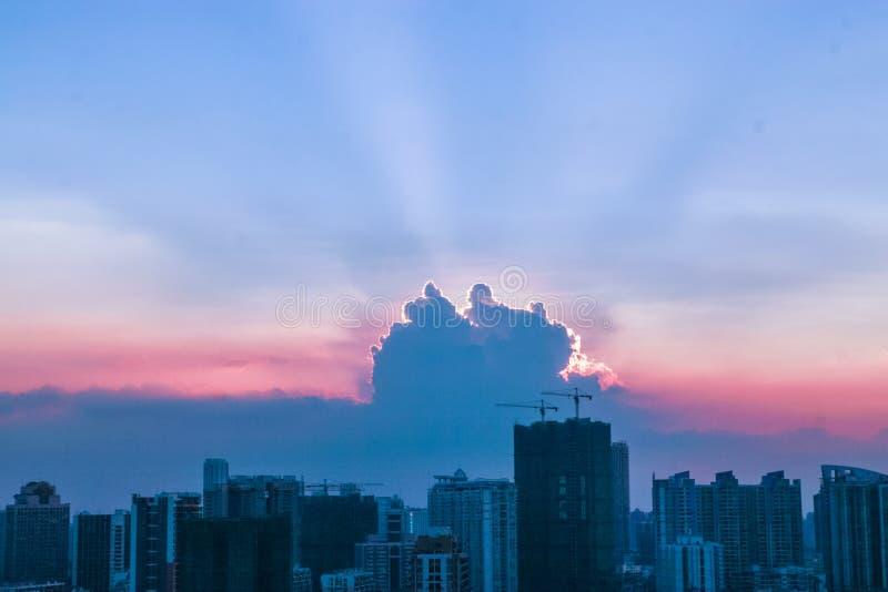 Vue de coucher du soleil de ville de Guangzhou photographie stock libre de droits