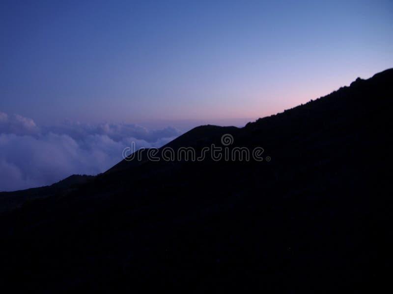 Vue de coucher du soleil de mountaint, Italie photographie stock libre de droits