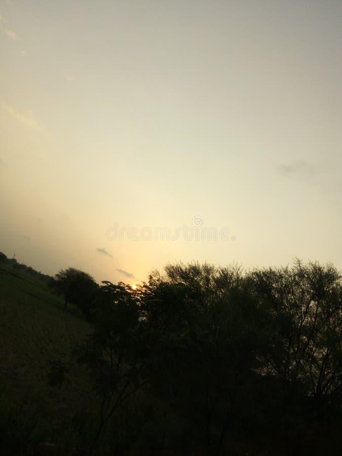 Vue de coucher du soleil soirée seulement triste photo stock
