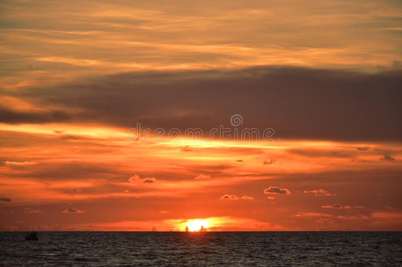 Vue de coucher du soleil de stupéfaction dans Phu Quoc, Vietnam photographie stock libre de droits