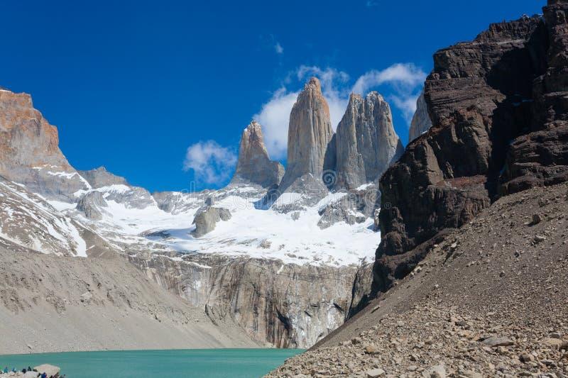 Vue de cr?tes de Torres del Paine, point de rep?re du Chili photos libres de droits