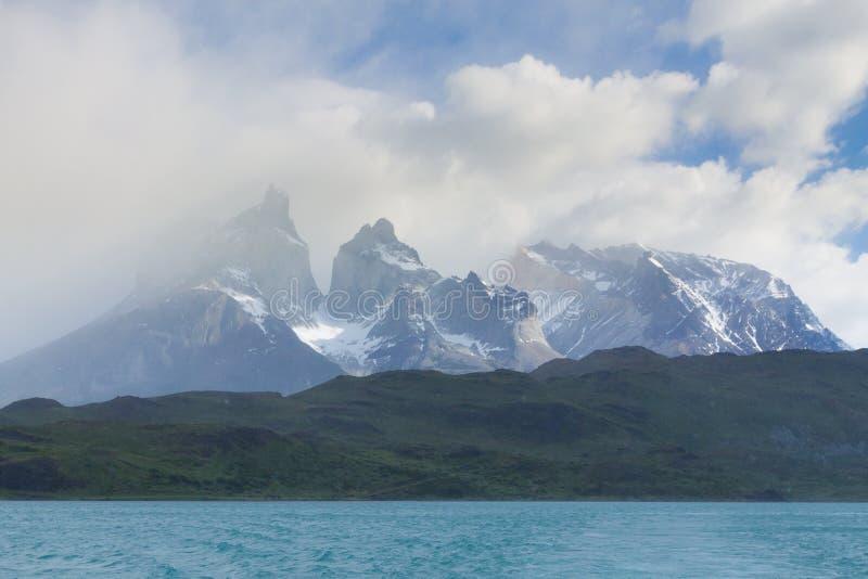 Vue de Cuernos del Paine, Torres del Paine, Chili photos libres de droits