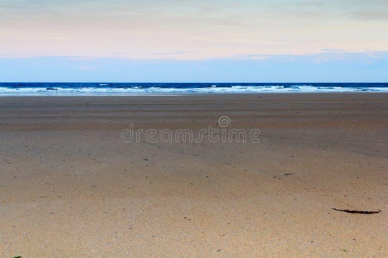 Download Vue De Début De La Matinée Au-dessus De La Plage Chez Polzeath Photo stock - Image du anglais, tôt: 76083712