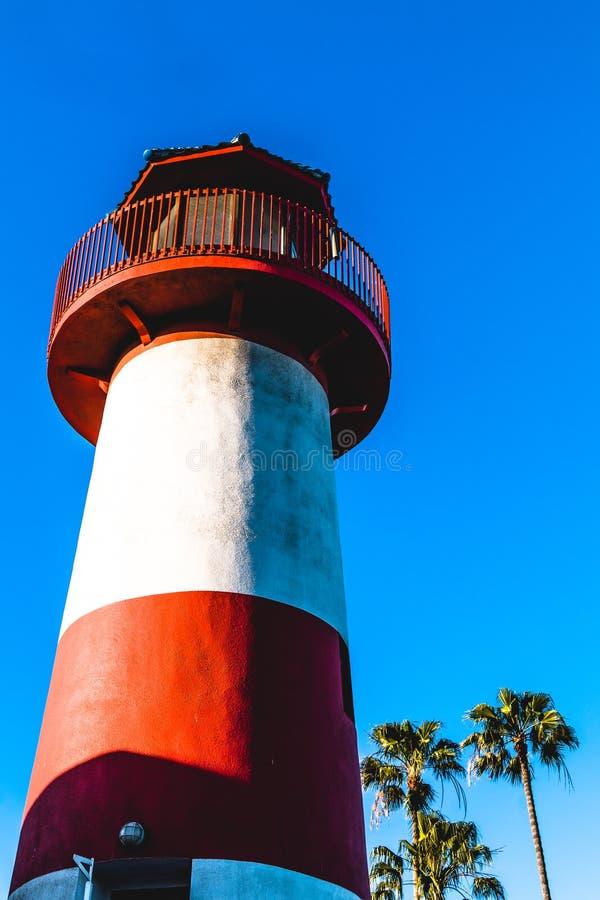 Vue de dessous de phare iconique de Faux de port d'Oceanside photographie stock libre de droits