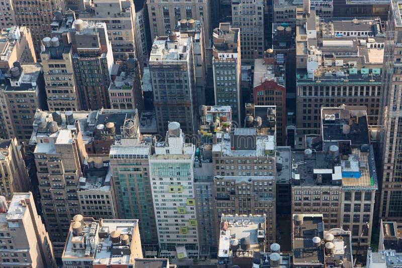 Vue de dessus aérienne de toit de New York City Manhattan avec des gratte-ciel image libre de droits