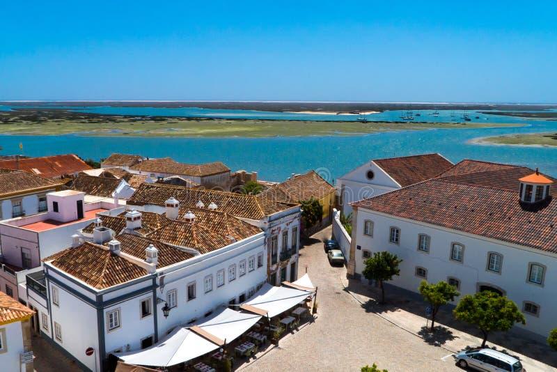 Vue de dessus de toit de côte du ` s Algarve de Faro Portugal photos libres de droits