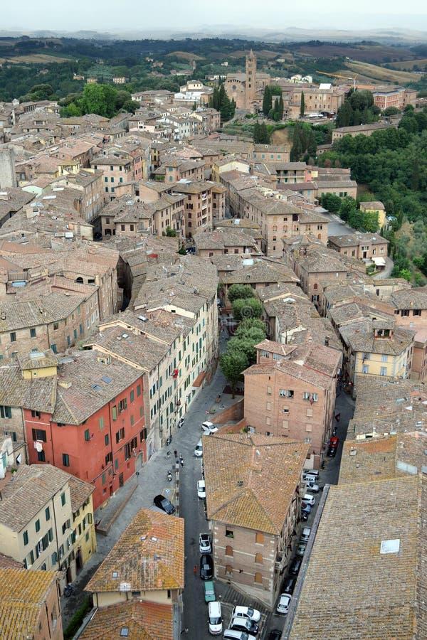 Vue de dessus de toit de Sienne, Italie, de tour de Mangia image stock