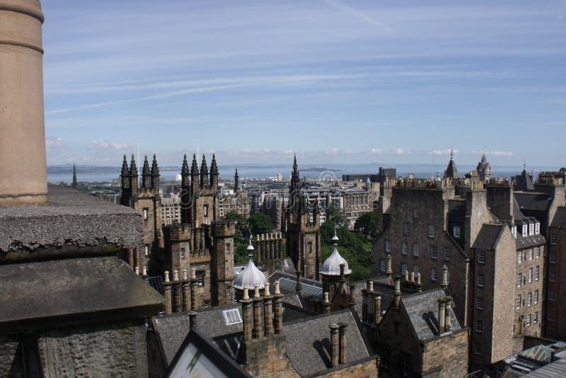 Vue de dessus de toit au-dessus de ville d'Edimbourg photos stock