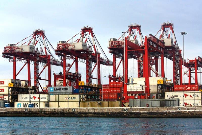 Vue de dock et de conteneurs dans le port de Callao images libres de droits