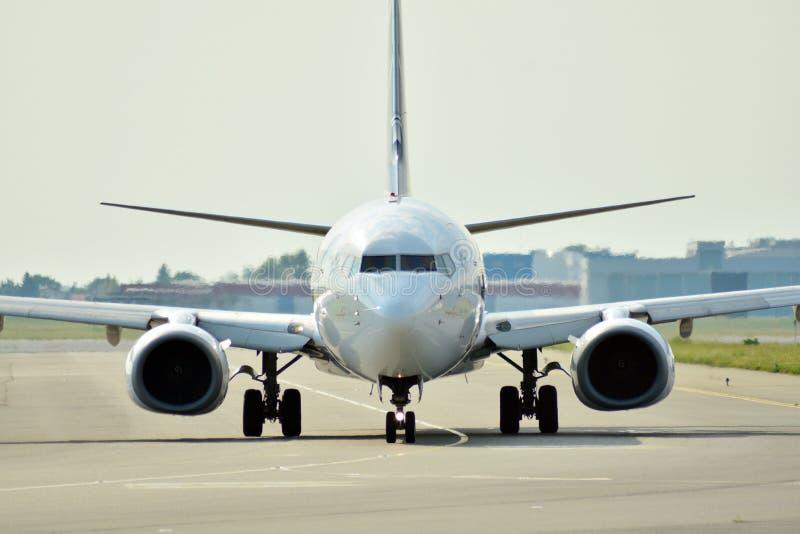Vue de face d'avion avant décollage photographie stock libre de droits
