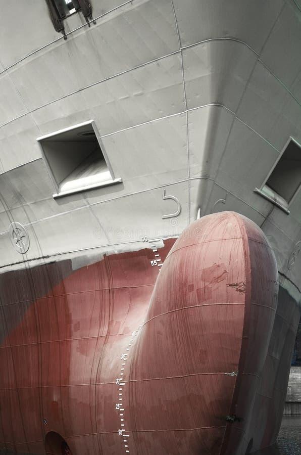 Vue de face d'un cargo photographie stock