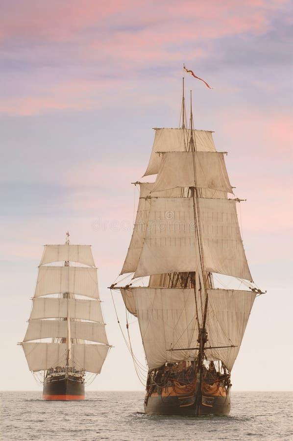 Vue de face de bateaux grands images libres de droits