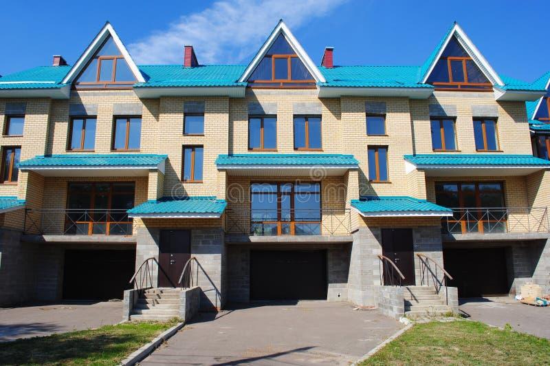 Vue de face de maison urbaine photo stock image du for Google vue des maisons