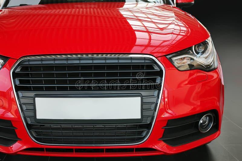 Vue de face de voiture rouge photos stock