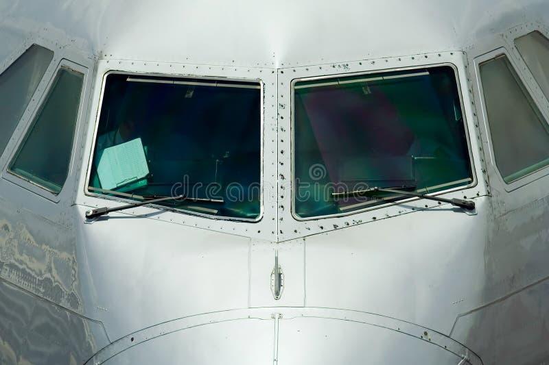 Download Vue De Face Du Fuselage D'un Avion Photo stock - Image du panneau, boeing: 743528
