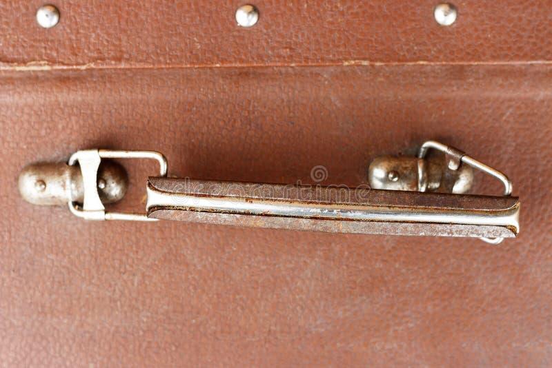Vue de face en gros plan de valise de cru de Brown, concept de voyage image stock
