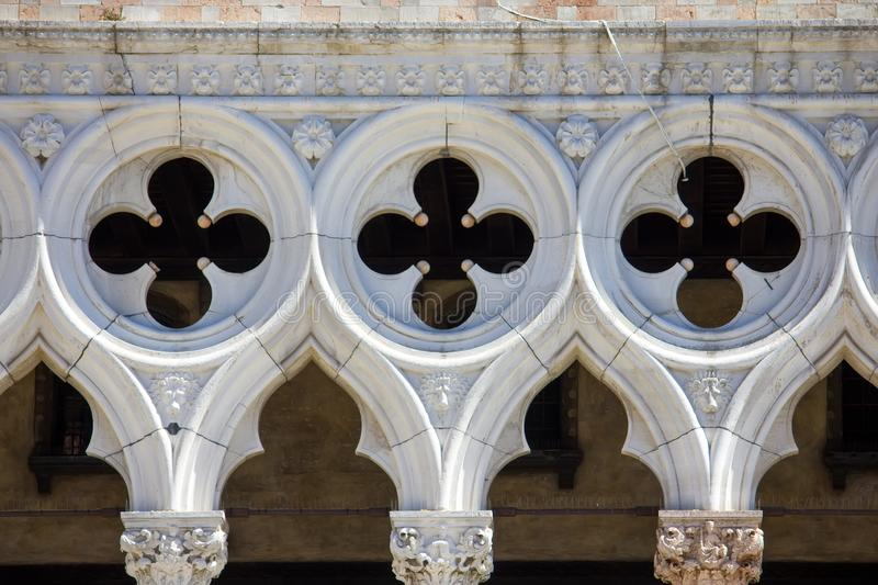 Vue de face de façade de Palais des Doges à Venise, Italie photo stock