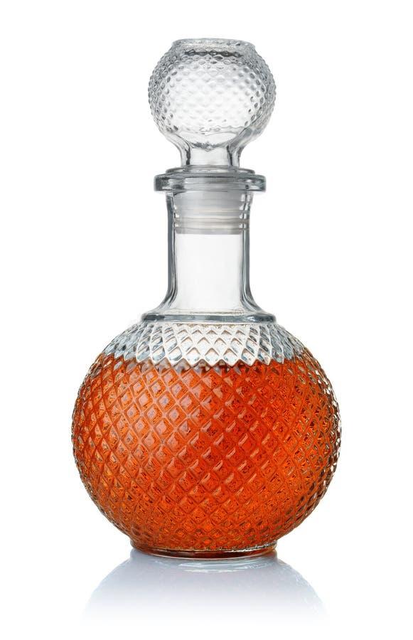 Vue de face de l'eau-de-vie fine en cristal photographie stock