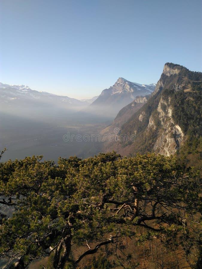 Vue de falaise de montagne photo stock