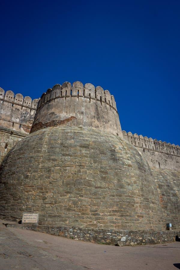 Vue de garh de Kumbhal du fond images stock