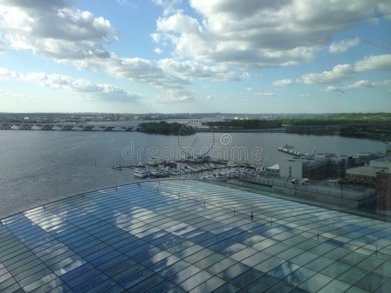 Vue de Gaylord de pont de Woodrow Wilson dans le port national image stock