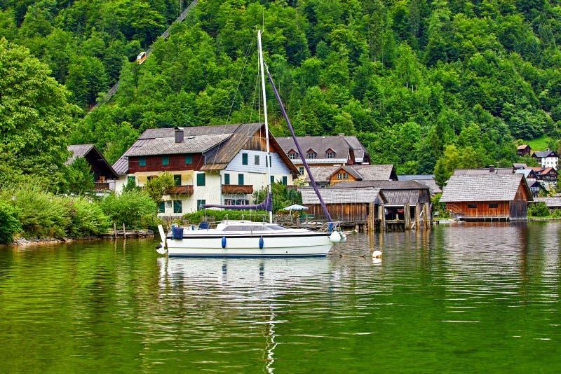 Vue de Hallstatt Autriche vers le lac Hallstattersee image libre de droits