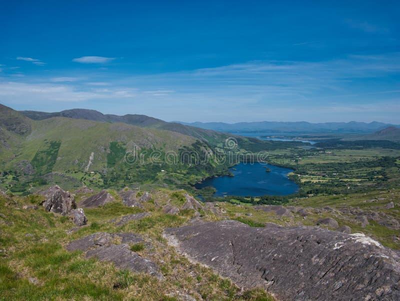 Vue de Healy Pass au lac et au pays photographie stock libre de droits