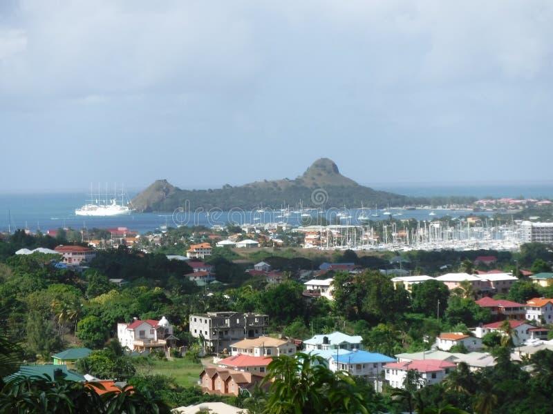 Vue de Hillside à l'océan photos stock