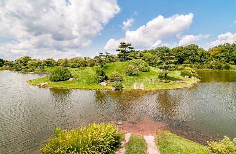 Vue de jardin japonais au jardin botanique de Chicago, Etats-Unis photo stock