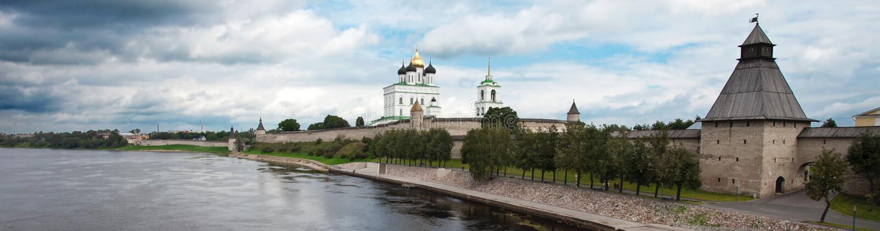 Vue de Kremlin de Pskov photo stock