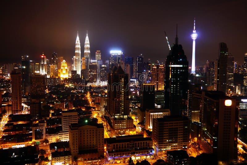 Vue de Kuala Lumpur City la nuit malaysia photos stock