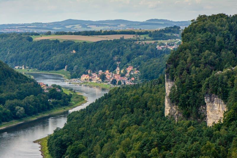 Vue de l'Elbe dans Bastai images stock