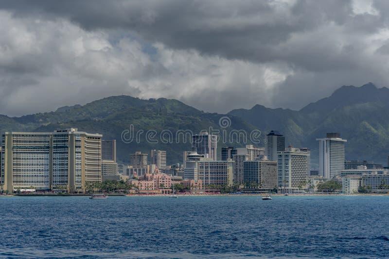 Vue de l'horizon célèbre de Waikiki images stock