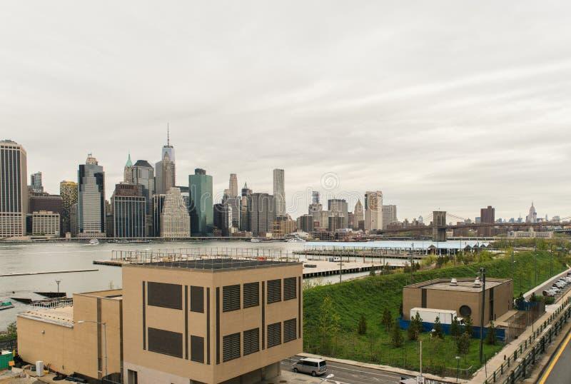 Vue de l'horizon de Manhattan de Brooklyn Heights à Brooklyn, photo stock