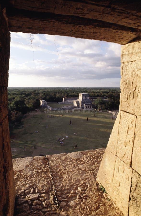 Vue de l'intérieur d'une pyramide image libre de droits