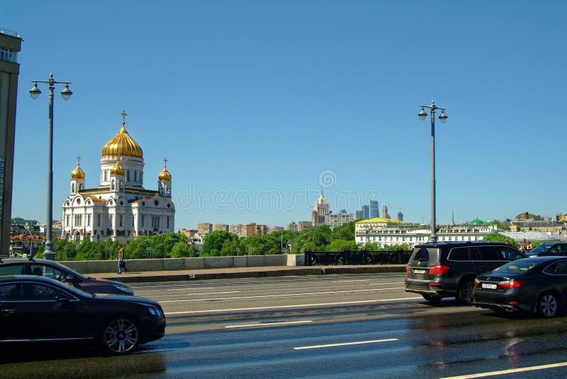 Vue de la cathédrale du Christ le sauveur du pont photo libre de droits