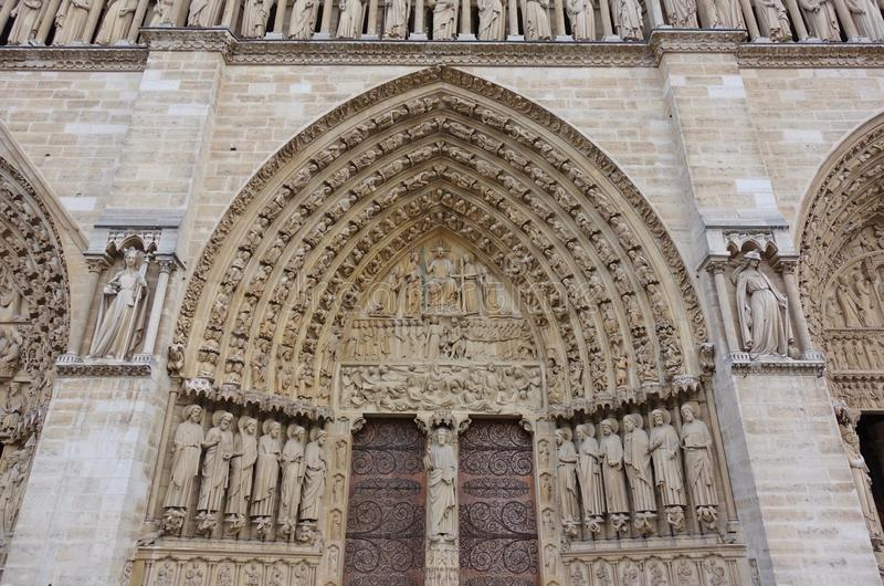 Vue de la cathédrale de Notre Dame de Paris avant le feu d'avril 2019 photo stock