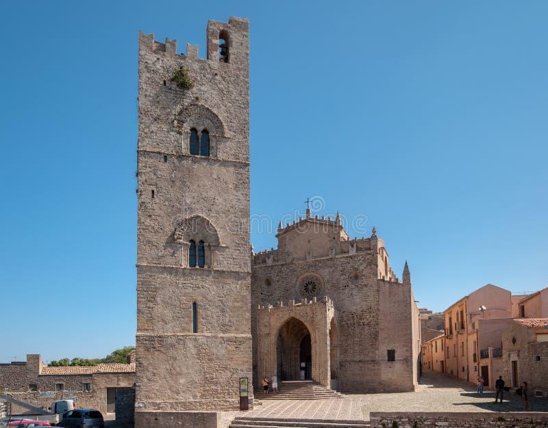 Vue de la cathédrale principale d'Erice, province de Trapani La Sicile, Italie image libre de droits