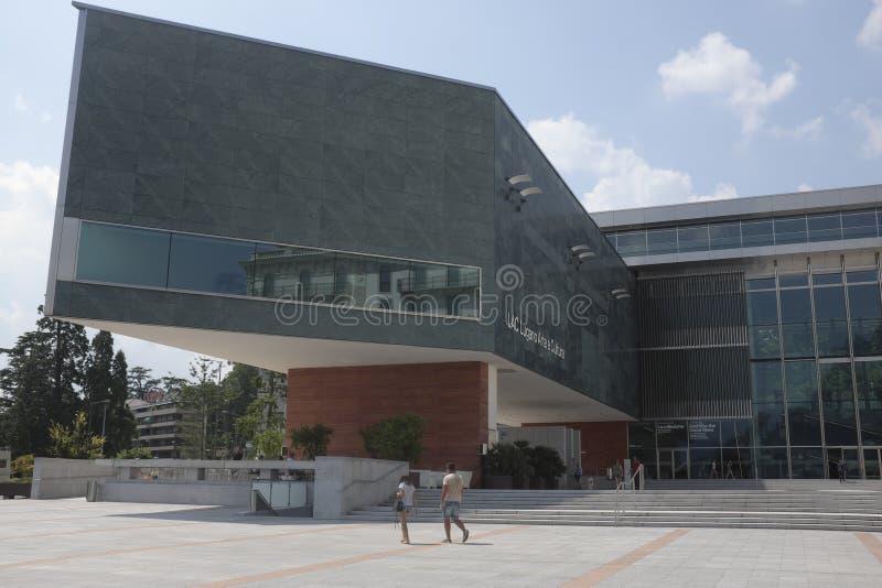 Vue de la façade du centre culturel de Lugano Arte e Cultura de LAQUE à Lugano photos stock