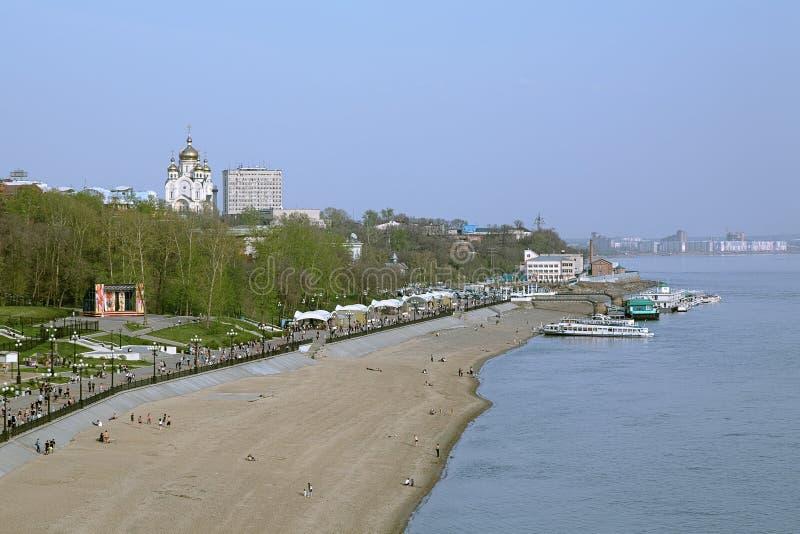 Vue de la falaise au-dessus du fleuve Amur vers Khabarovsk, Extrême Orient, RU photo libre de droits