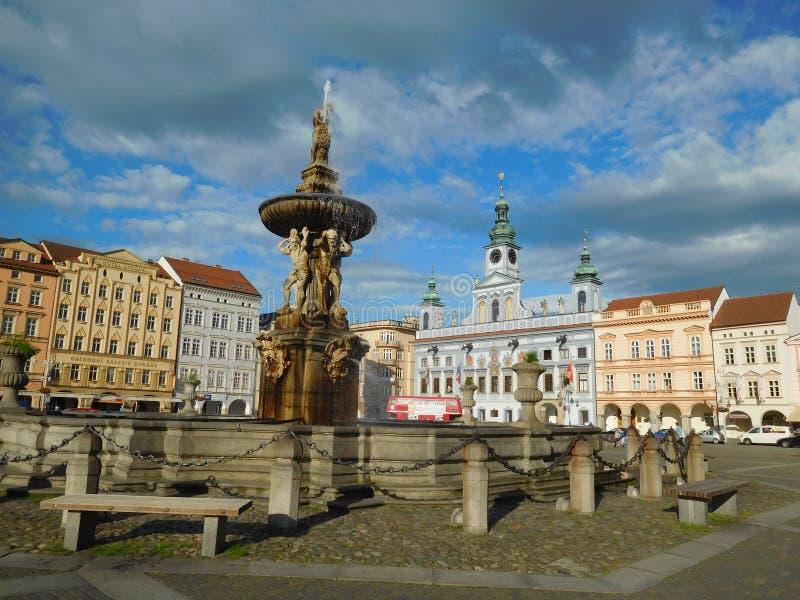 Vue de la grande place centrale en Ceske Budejovice, Bohême photos libres de droits