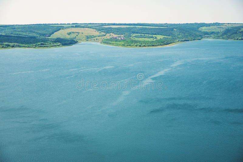 Vue de la grande rivière photographie stock libre de droits