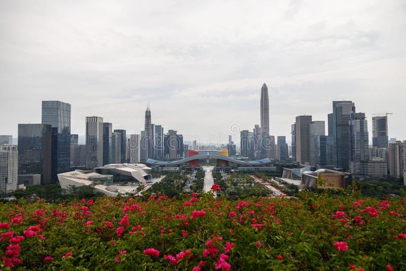 Vue de la métropole depuis la colline photos libres de droits