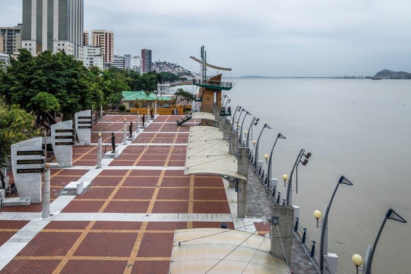 Vue de la promenade 2000 - Guayaquil, Equateur de bord de mer de Malecon image stock