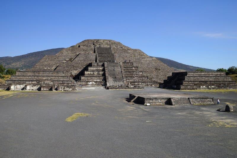 Vue de la pyramide de la lune, Teotihuacan, Mexique photo stock