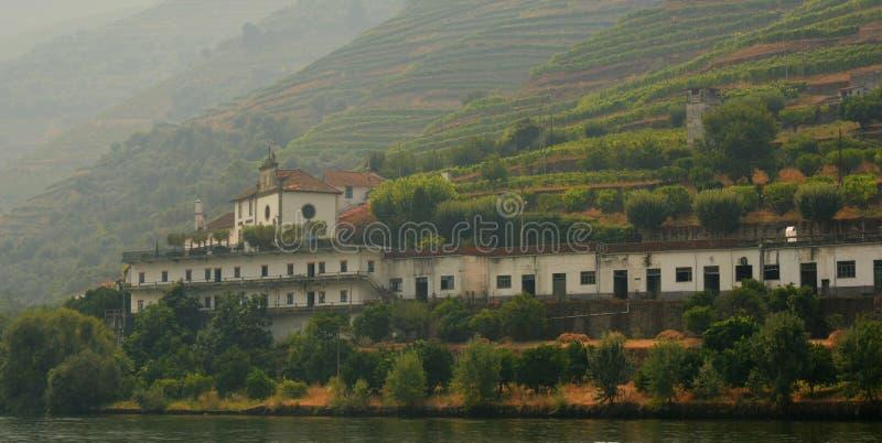 Vue de la rivière de Douro à Pinhao, vilage au Portugal photo libre de droits