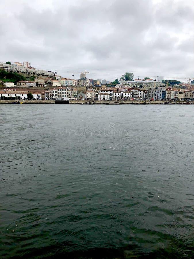 Vue de la rivière de Douro dans le disctrict de Ribeira à Porto, Portugal photo libre de droits