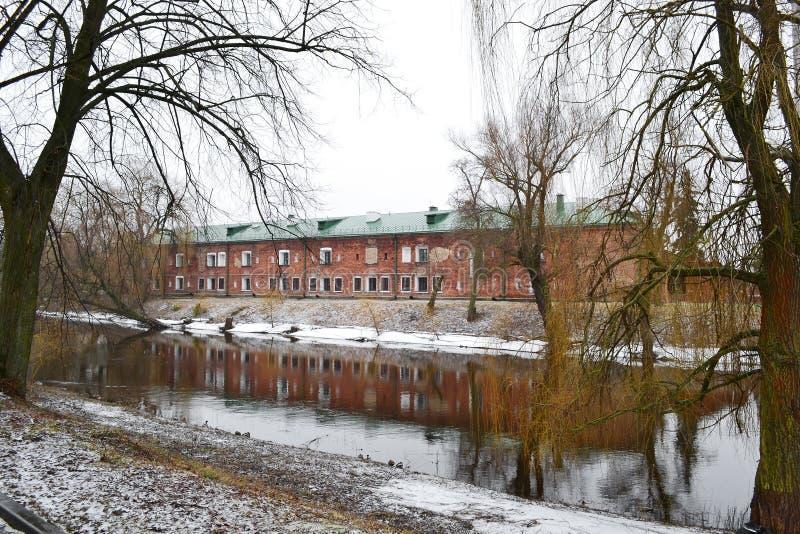 Vue de la rivière Mukhavets dans la forteresse de Brest photographie stock libre de droits