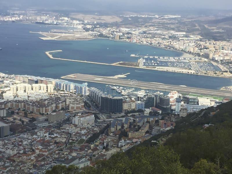 vue de la roche à la baie chez le Gibraltar photographie stock libre de droits
